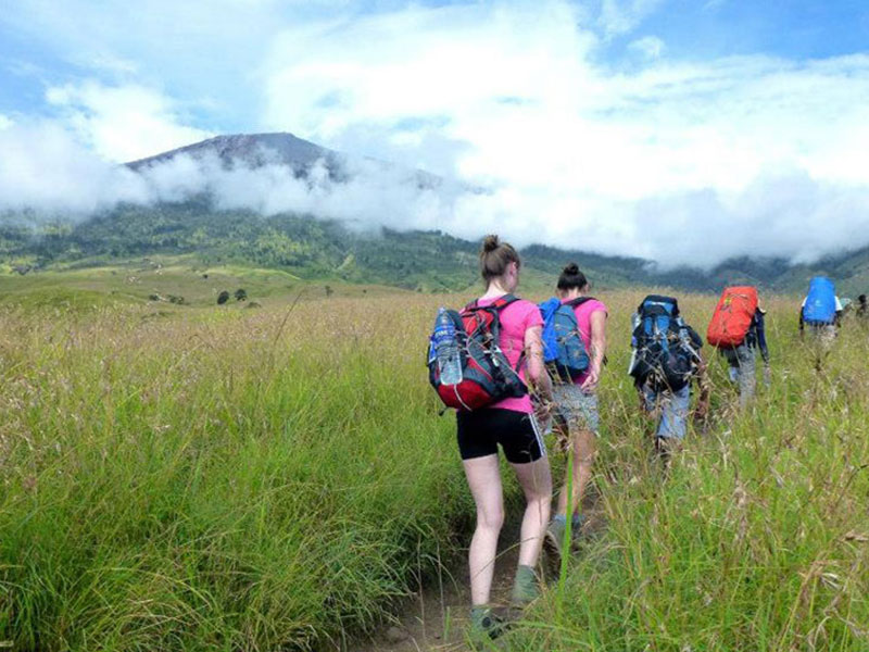Start Hiking Mount Rinjani from Sembalun Lawang