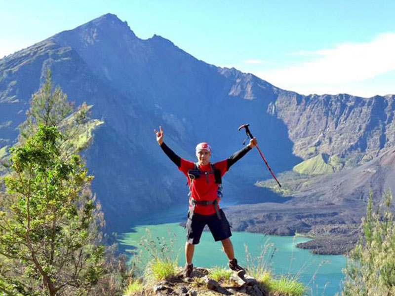 Hiking Mount Rinjani 3 Days 2 Nights via Senaru