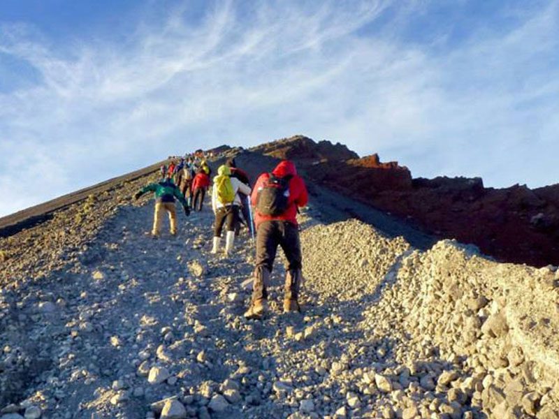 Mount Rinjani 2 days 1 night via Sembalun Lawang