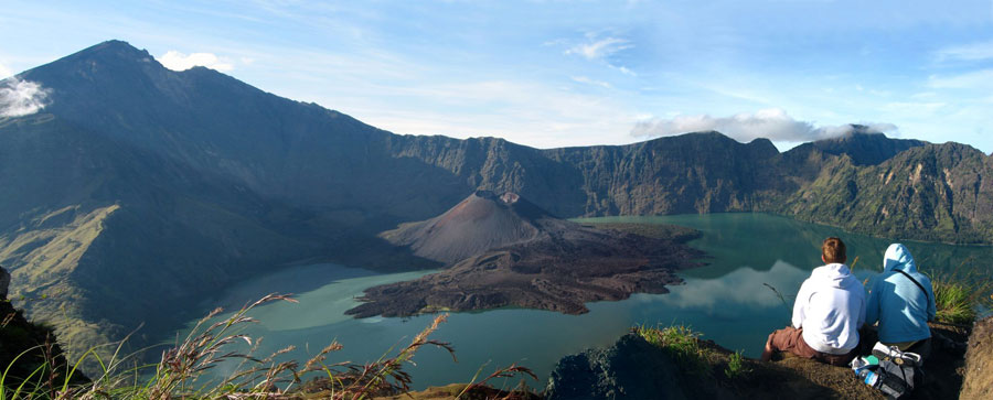 Hiking mount Rinjani package 2 days 1 nights start climb from Senaru back to Senaru village